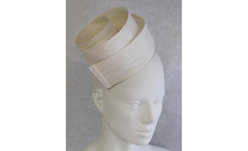 Ariane Delabays - Modiste à Lausanne - Confection de chapeaux - Collection Mariage - 1